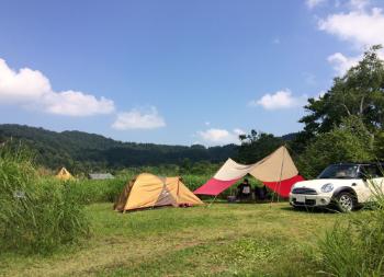 写真:キャンプ